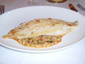 Fillet of plaice with spiced arrocina beans