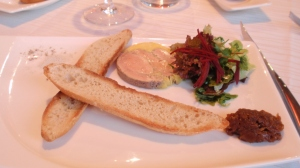 Starter 2: Four-spice duck foie gras with red onion chutney and toasted ficelle