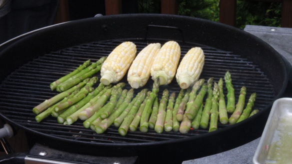 On our first weekend in the New York Area, we were invited to a barbecue at the house of my brother's good friend...amazingly fresh asparagus & corn-on-the-cob (it has taken me a few years to get Mrs. LF to admit that un-tinned corn is not just food for cows!)