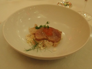 amuse bouche of raw tuna