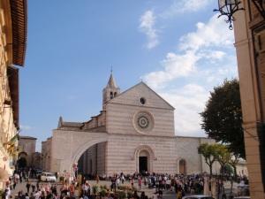 basilica di santa chiara atop assisi
