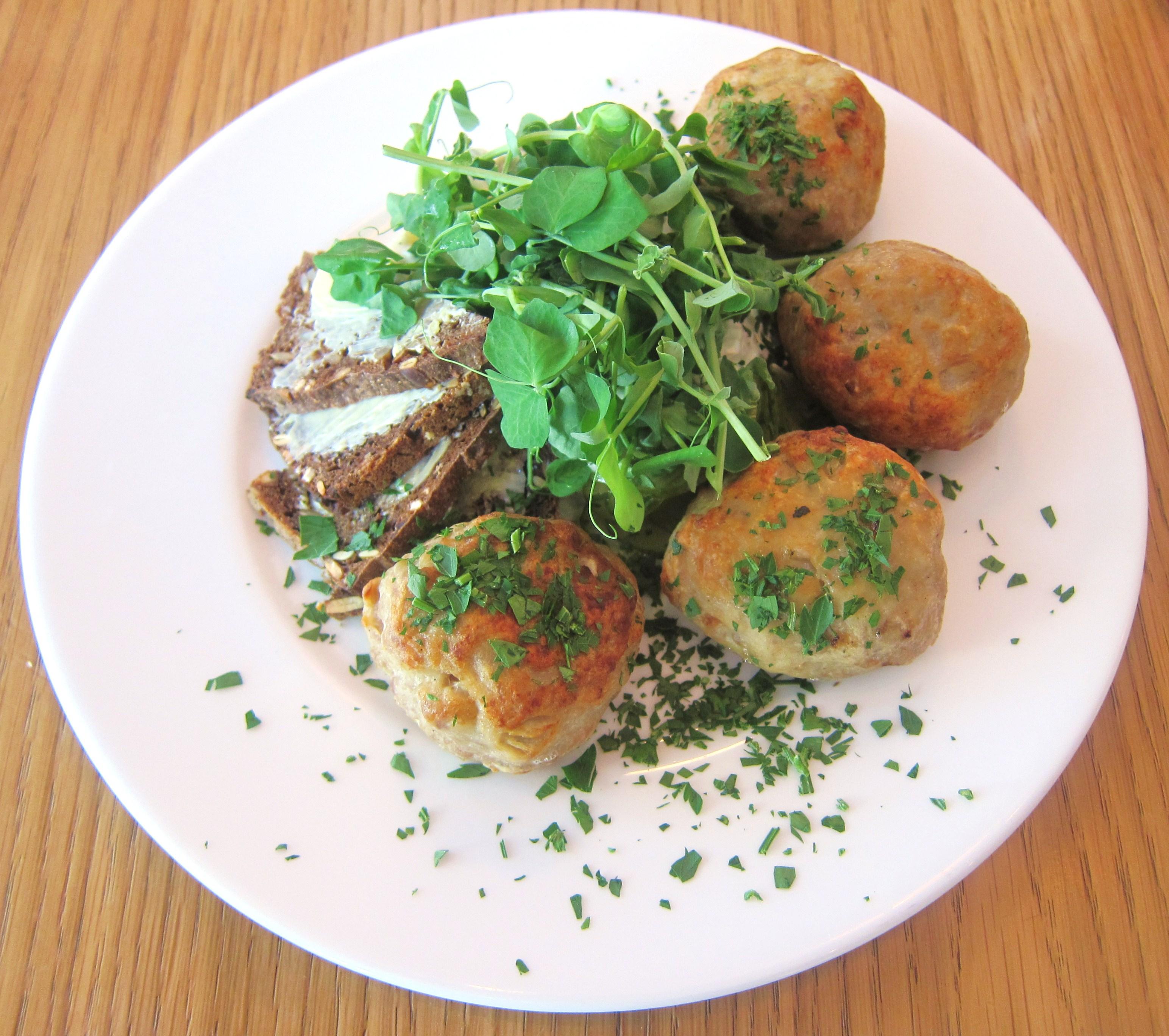 frikadeller / pork meatballs with cold potato salad